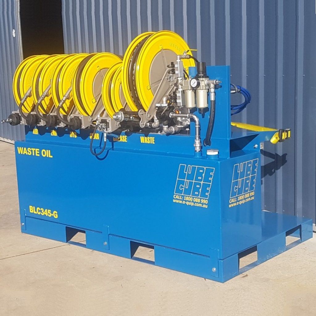 Triple Lube Cube with grease and additional hose reel for compressed air